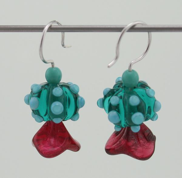 mgb-030109-ear-2